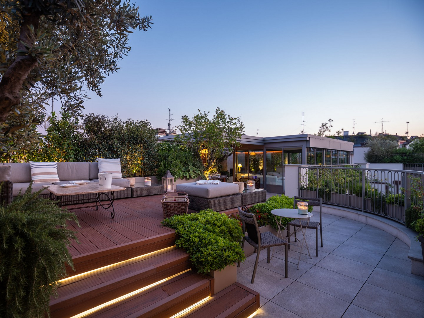 Outdoor lounge with swimming pool