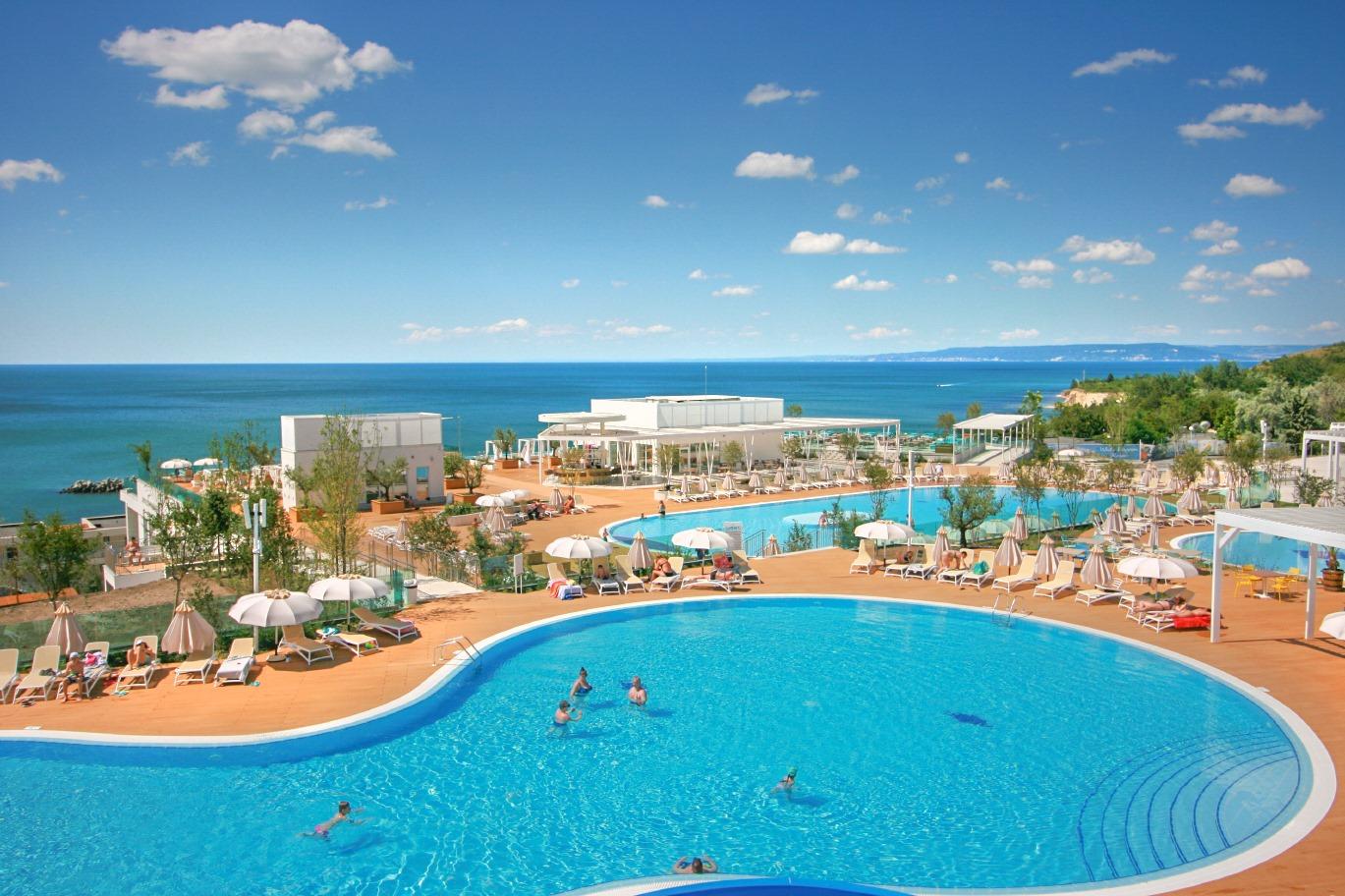 White Lagoon Resort – Pool Area
